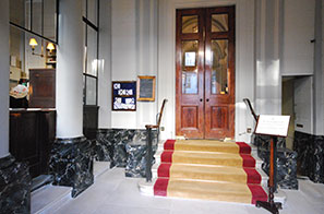 Faux Marble For Pall Mall's Travellers Club