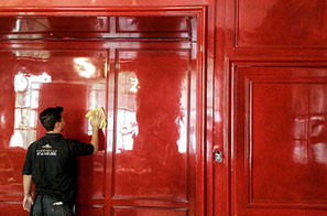 Red Lacquer Walling